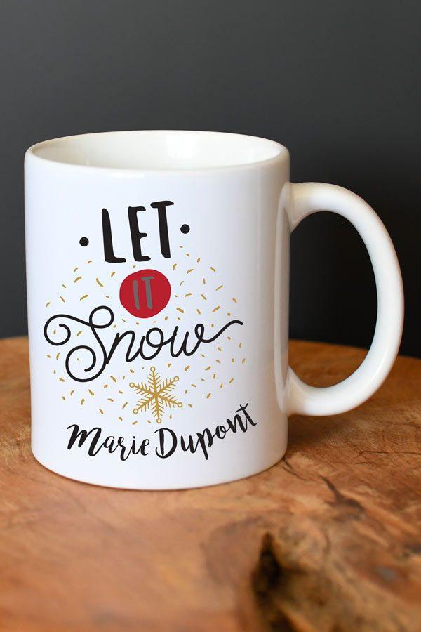 """Mug de Noël personnalisé """"Let it snow"""""""